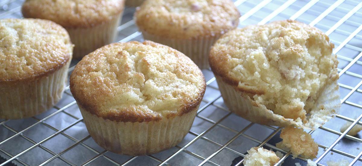 Muffins med ananas og jordbær