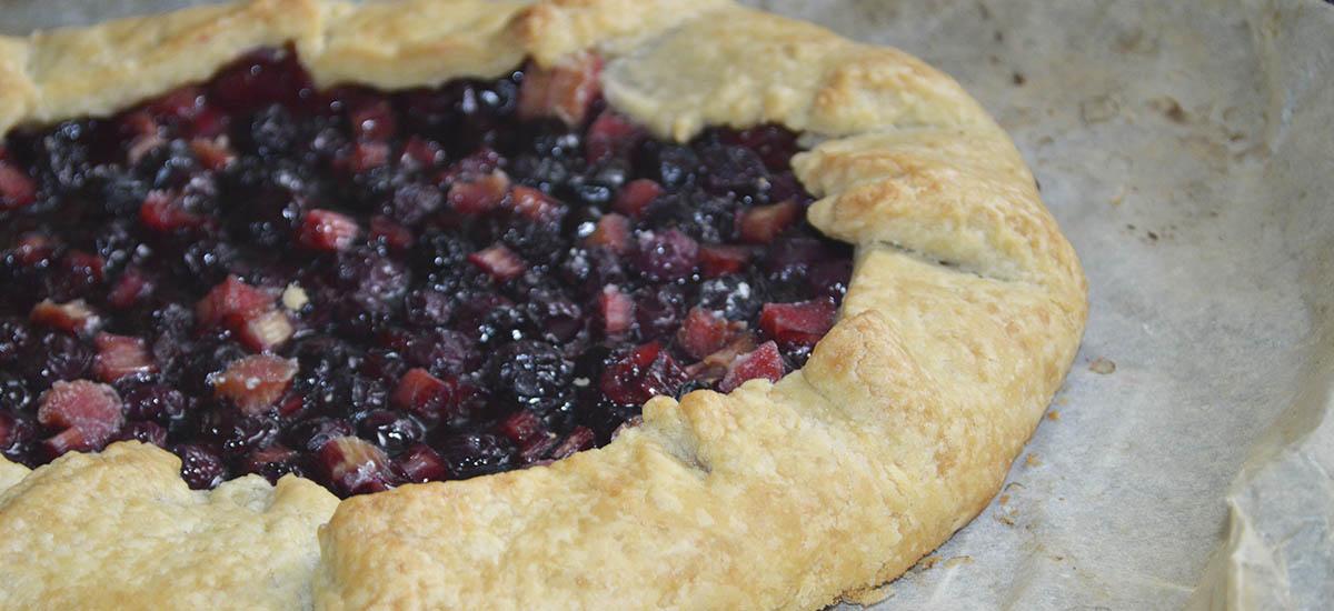 Rabarber blåbær galette