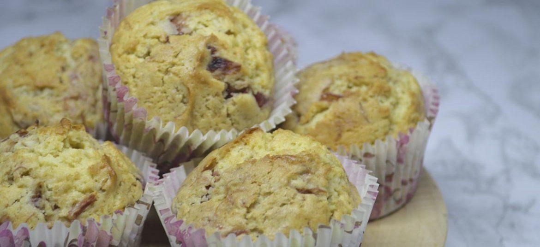 Muffins med rabarbergrød