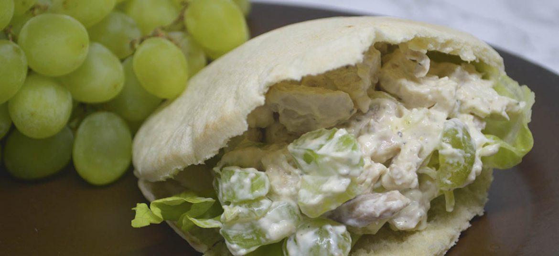 Pitabrød med kyllingesalat