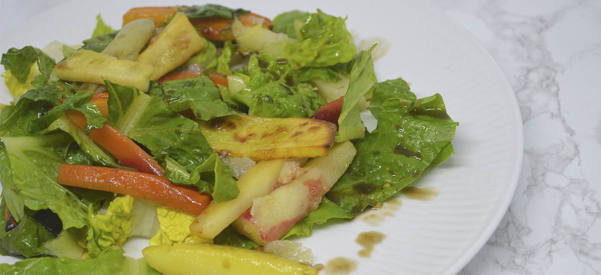 Salat med bagte rodfrugter