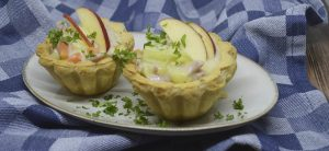 Tarteletter med skinke og hvidkål